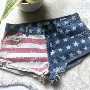 Bullhead   US Flag Slouchy Jean Shorts Size 7